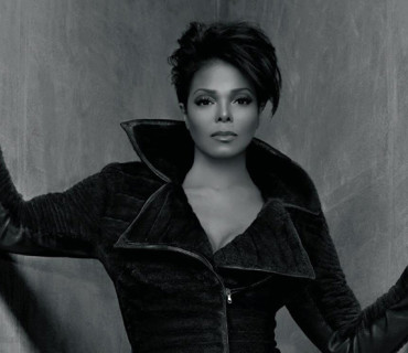 Janet Jackson Shows Love To Fans [VIDEO]