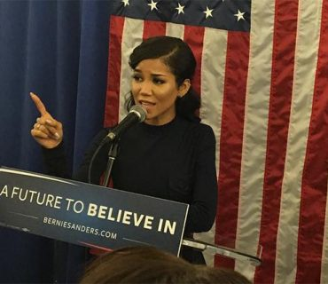 Jhené Aiko Performs at the Bernie Sanders Event in Harlem [VIDEO]