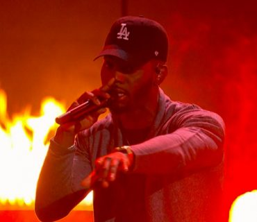 """Bryson Tiller Performs """"Exchange"""" & """"Don't"""" at the 2016 BET Awards [VIDEO]"""