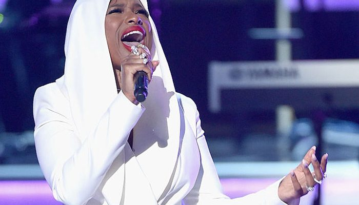 Stevie Wonder, Jennifer Hudson and Tori Kelly Pay Tribute to Prince at the 2016 BET Awards [VIDEO]