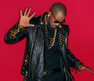 "New Music: R. Kelly – ""Pussy is Mine"""