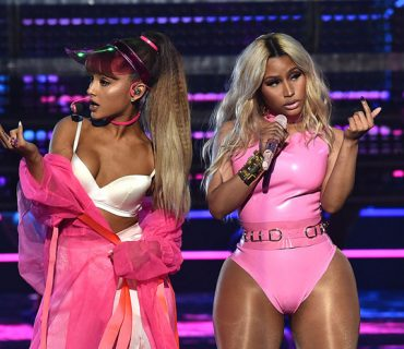 "Ariana Grande and Nicki Minaj Perform ""Side to Side"" at the VMAs [VIDEO]"