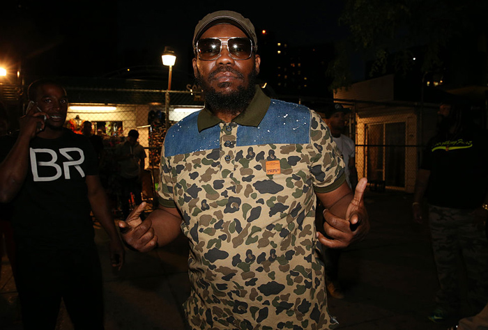 Beanie Sigel Knocked Out by Meek Mill  [VIDEO]