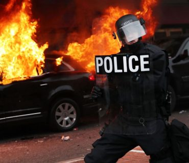 Photos: Riots Breakout at Trump Inauguration [VIDEO]