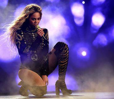 Beyoncé Set to Perform at the Grammys