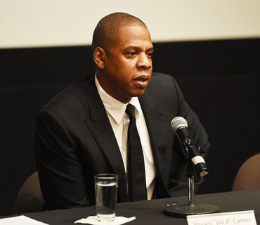 Jay Z  Set to Bail Out Fathers on Father's Day