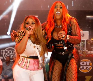 Remy Ma Unites Female MC's at Summer Jam [VIDEO]