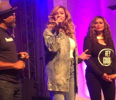 Beyoncé Returns Home to Houston to Support Hurricane Harvey Surviors [VIDEO]