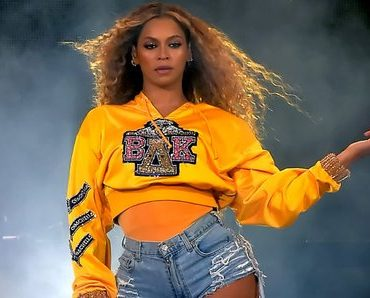 Full Performance: Beyoncé Performs with JAY-Z & Destiny's Child at Coachella [VIDEO]