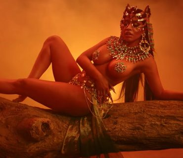 "Nicki Minaj – ""Ganja Burn"" [NEW VIDEO] + ""Queen"" Album Stream"