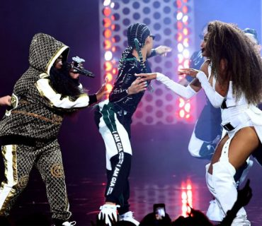 "Ciara & Missy Elliott ""Level Up"" at the AMAs [VIDEO]"