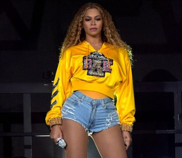 "Beyoncé & Netflix Announce ""Homecoming: A Film By Beyoncé"" [VIDEO]"